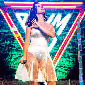 KATY PERRY: DEBUT ALBUM 'PRISM' NO. 1 ON BILLBOARD 200