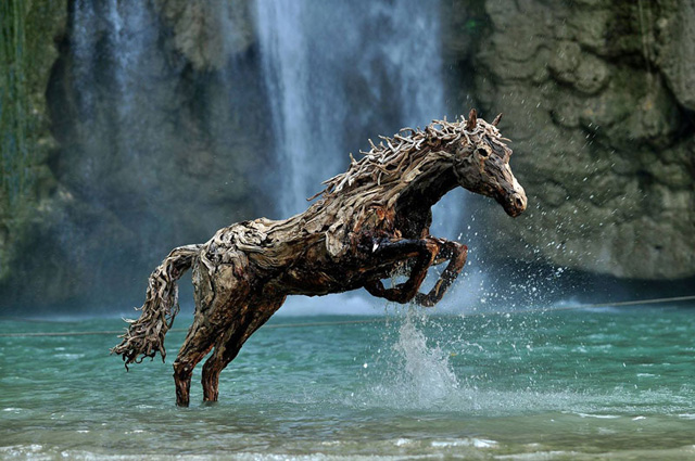 galloping-horses-made-from-driftwood-by-james-doran-webb-1