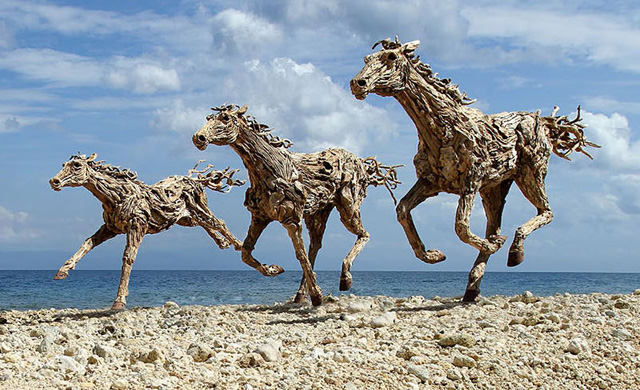 galloping-horses-made-from-driftwood-by-james-doran-webb-2