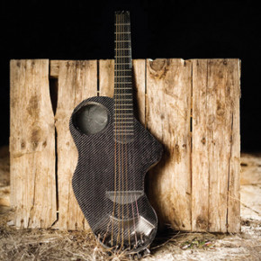ALPACA // CARBON FIBER TRAVEL GUITAR