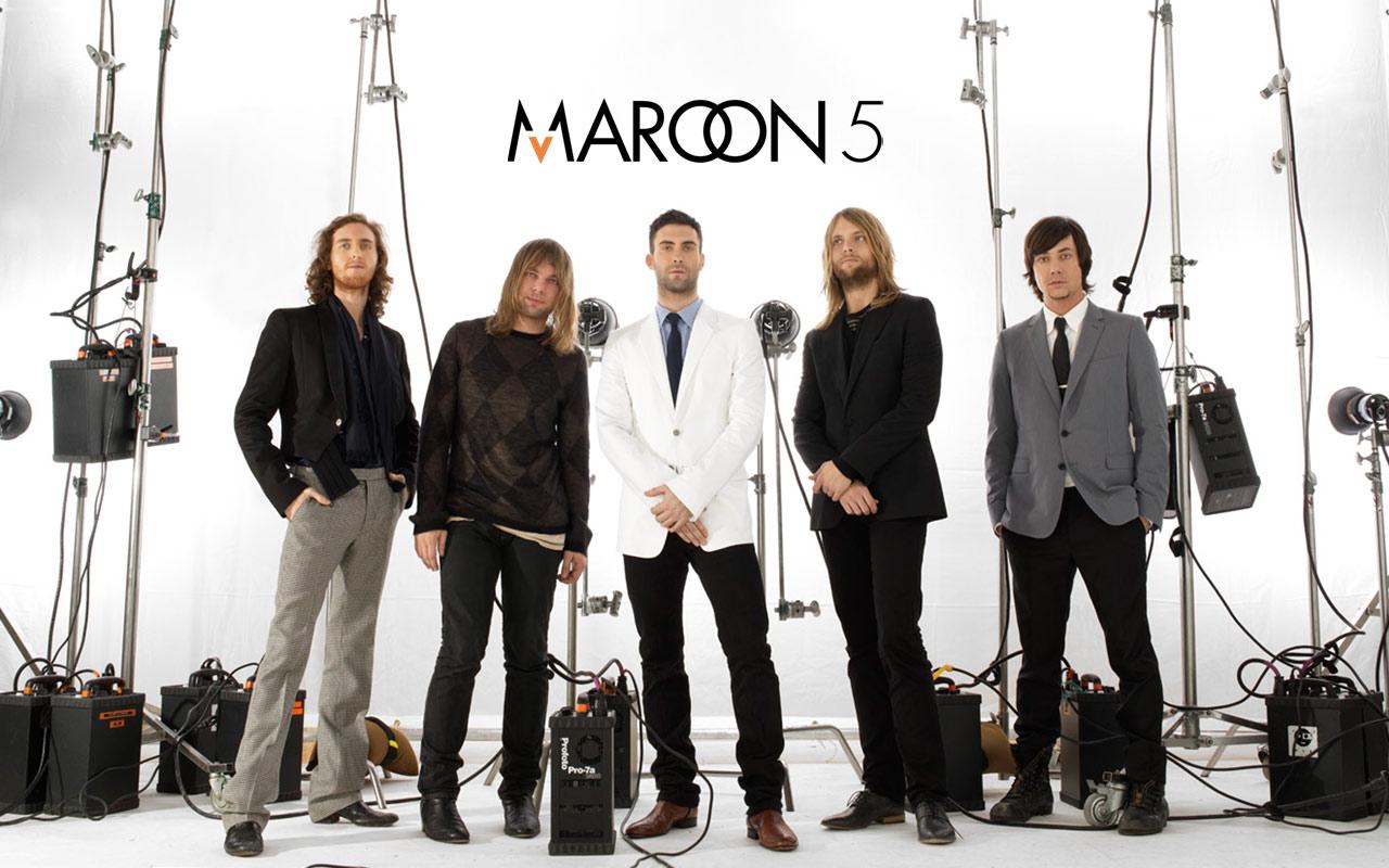 maroon53
