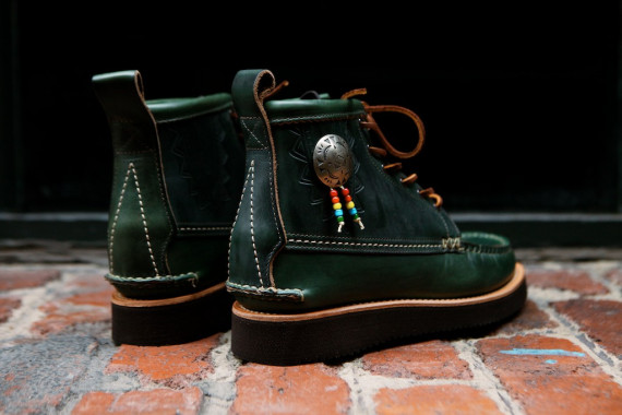 Yuketen-Native-Maine-Guide-Boots-Loden-Green-18-570x380