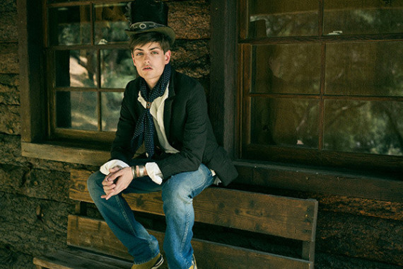 visvim-fall-winter-2014-lookbook-03-570x380