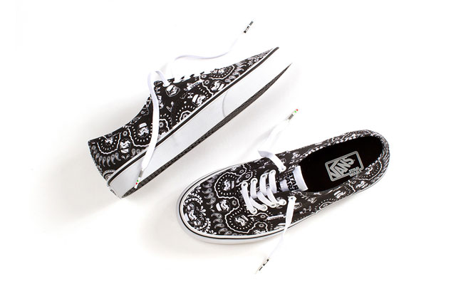 Vans-x-Star-Wars_Authentic_Stormtrooper-Bandana