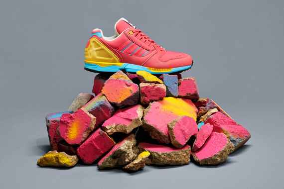 adidas-originals-zx-8000-fall-of-the-wall-pack-3-570x380