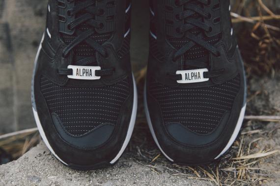 adidas-originals-zx-8000-fall-of-the-wall-pack-closer-look-04-570x380