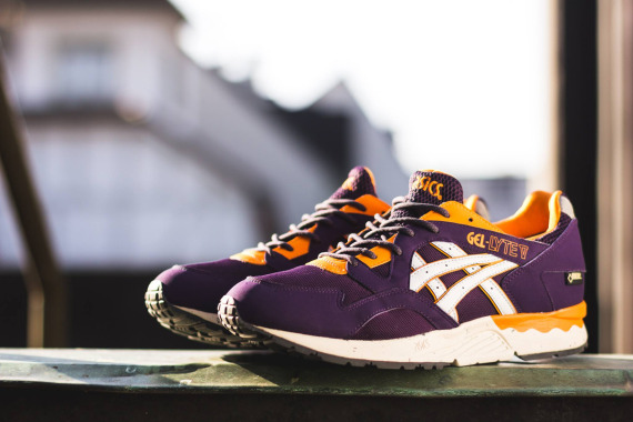 asics-gel-lyte-v-gore-tex-purple-soft-grey-02-570x380