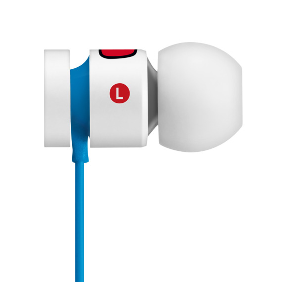 hello-kitty-beats-by-dr-dre-urbeats-earphones-07-570x570