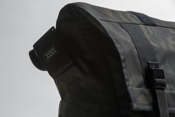 mission-workshop-black-camo-series-limited-edition-messenger-bag-04-570x380