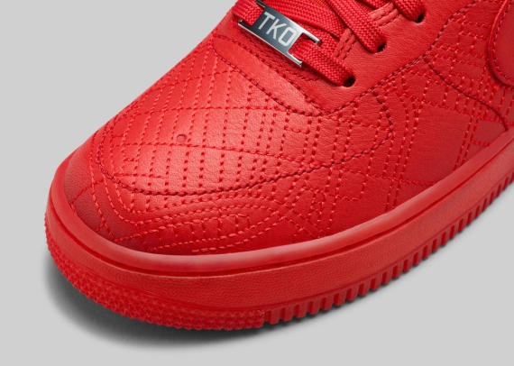 nike-wmns-city-collection-holiday-2014-e-570x406