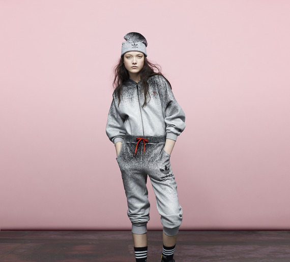 rita-ora-adidas-originals-fall-winter-2014-spray-roses-pack-09-570x516