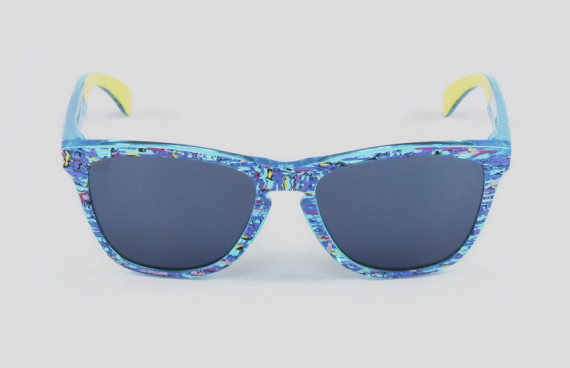 staple-liberty-oakley-frogskins-sunglasses-available-now-04-570x368