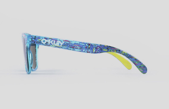 staple-liberty-oakley-frogskins-sunglasses-available-now-06-570x368