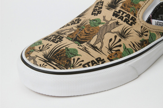star-wars-vans-customs-slip-on-limited-edition-darth-vader-yoda-prints-04-570x380