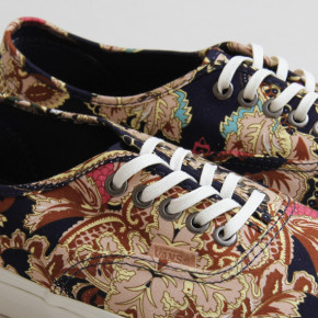 """PAISLEY"" // VANS AUTHENTIC"