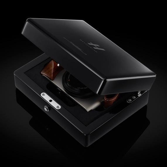 hasselblad-stellar-ii-compact-digital-camera-02-570x570