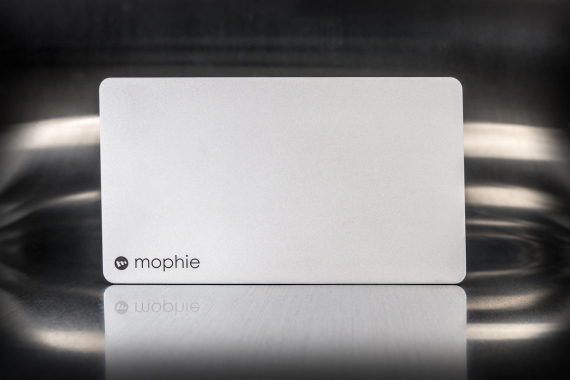 mophie-powerstation-plus-03-570x380