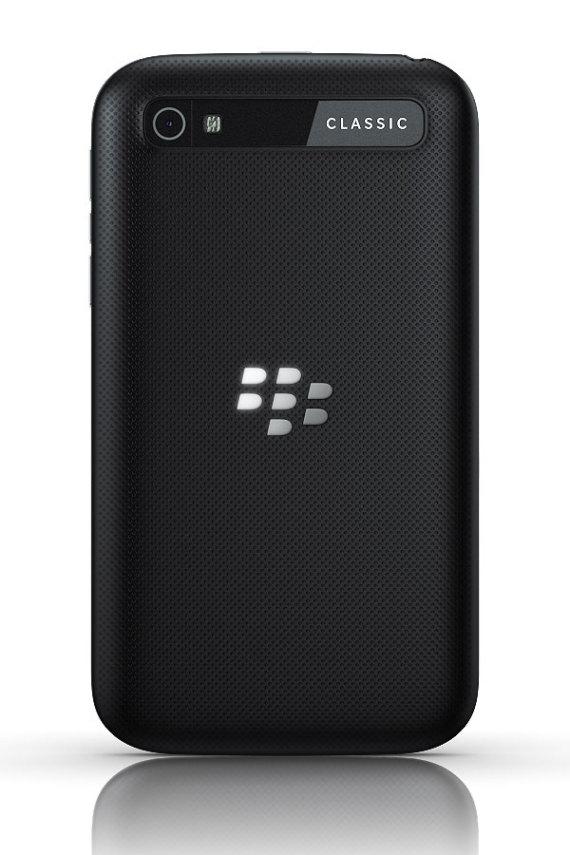 blackberry-classic-04-570x855