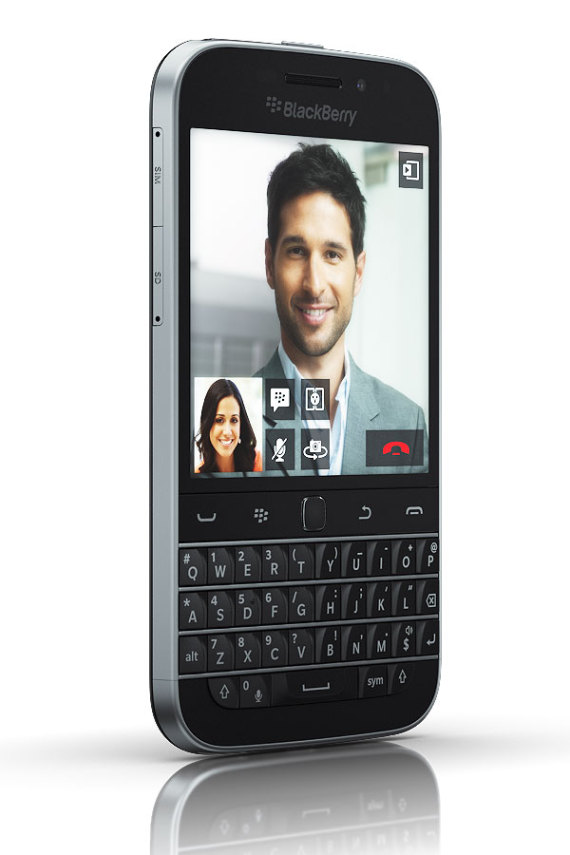 blackberry-classic-06-570x855