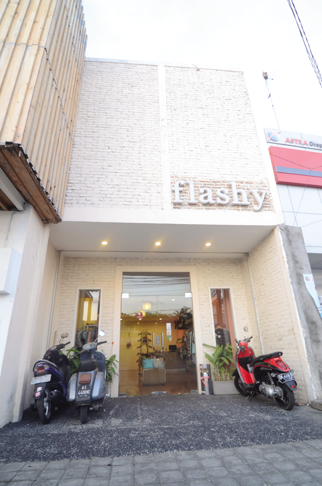 FLASHY13