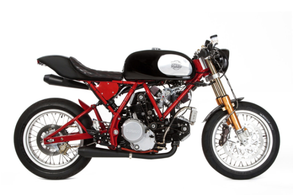 deus-dreamliner-custom-motorcycle-powered-by-ducati-1-570x380
