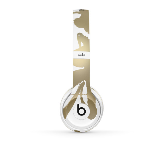 chen-man-beats-by-dre-chinese-new-year-solo2-headphones-04-570x502