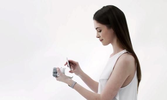 olympus-air-a01-smartphone-camera-lens-01-570x341