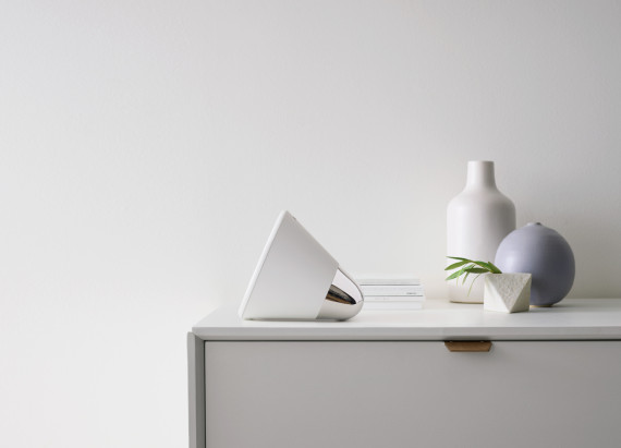 aether-cone-wireless-multi-room-speaker-system-02-570x411