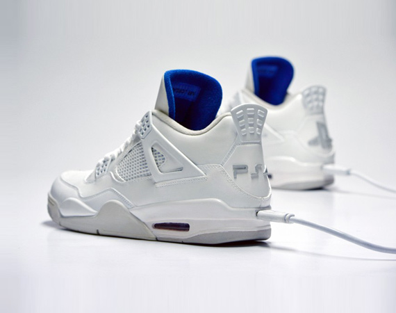 freakersneaks-ps4-air-jordan-4-white-edition-00