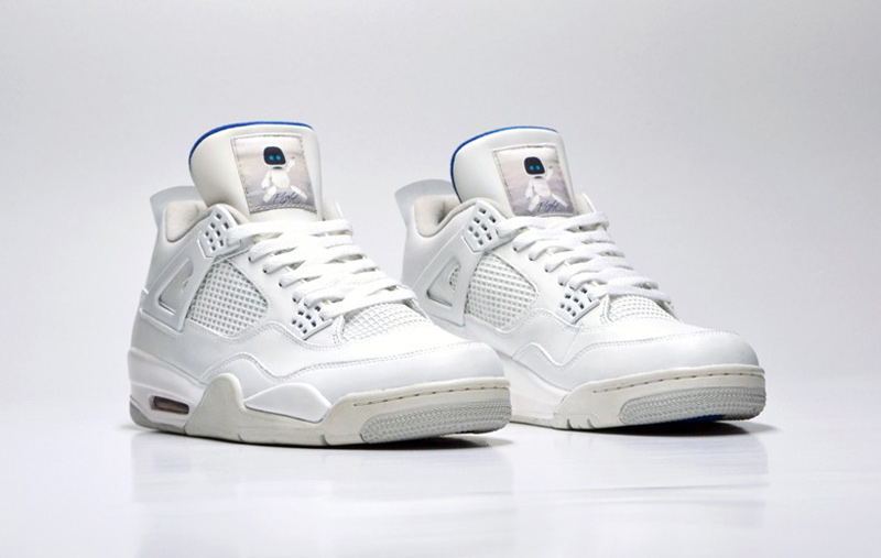 freakersneaks-ps4-air-jordan-4-white-edition-01