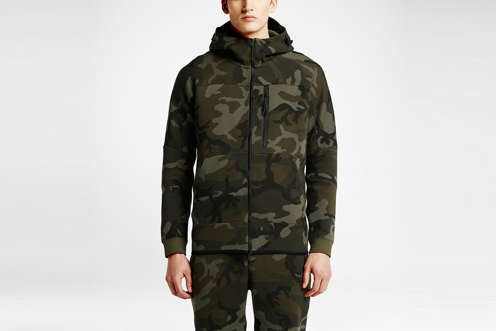 nikelab-tech-fleece-aw77-hoodie-camo-00