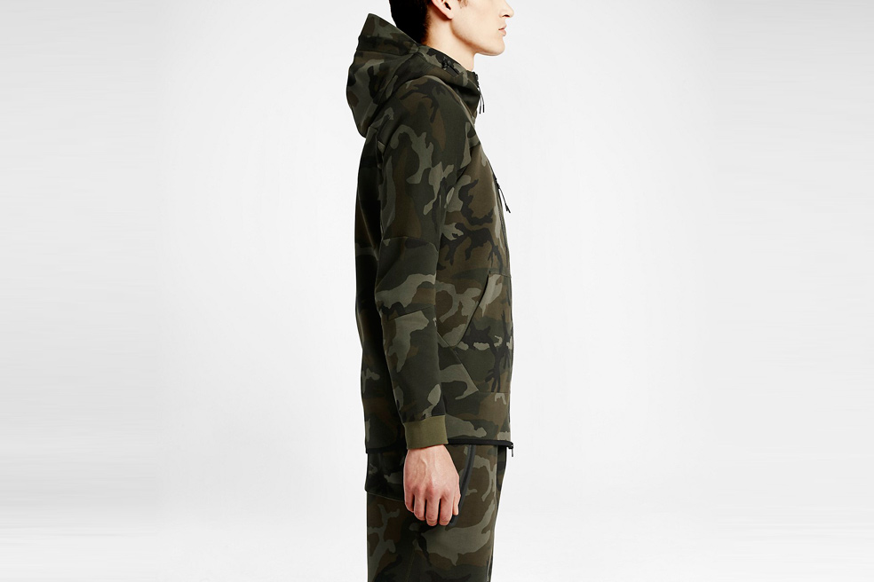 nikelab-tech-fleece-aw77-hoodie-camo-02