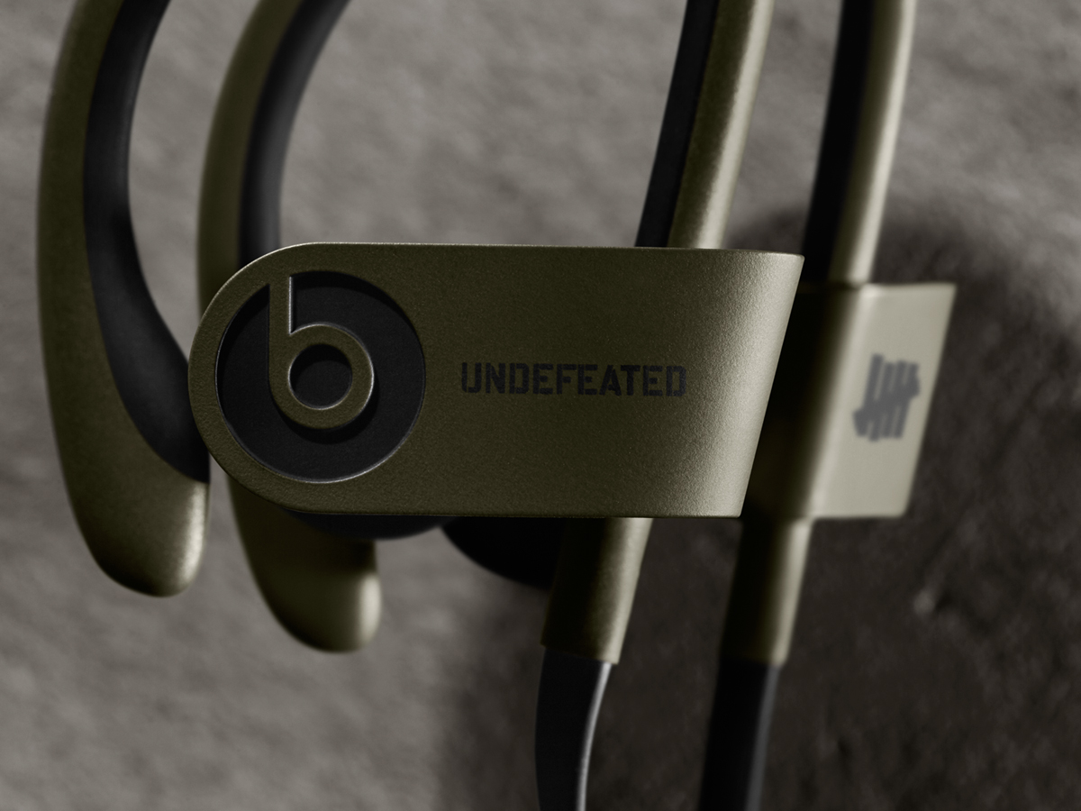 undefeated-by-beats-by-dre-powerbeats2-wireless-in-ear-headphones-03