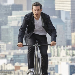 LEVI'S AND GOOGLE TEAM UP ON A SMART JACKET