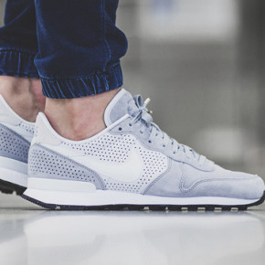 "NIKE INTERNATIONALIST LX ""WOLF GREY"""