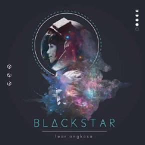 BLACK STAR // MERILIS LUAR ANGKASA DALAM FORMAT KASET