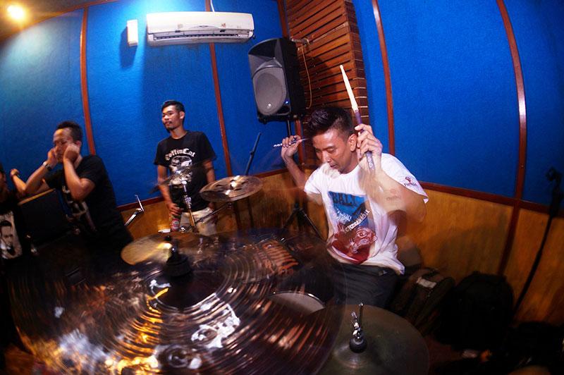 09-Berisik-Vol