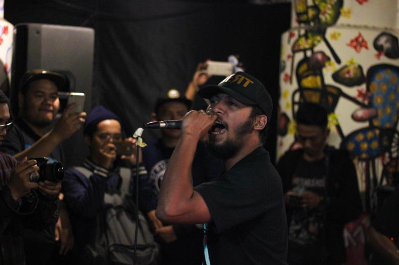 ELTIKEI-salah-satu-senior-hiphop-Surabaya-berkolaborasi-dengan-TIKAM