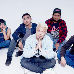 "RIGHT HERE RIGHT NOW RILIS VIDEO STUDIO SESSION ""KITA TERTAWA"" // SINGLE RELEASE"