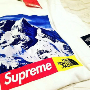 BOCORAN KAOS KOLABORASI THE NORTH FACE X SUPREME