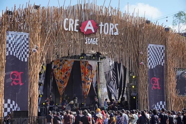 FSTVLST tampil di Creators Stage dalam acara Soundrenaline 2018