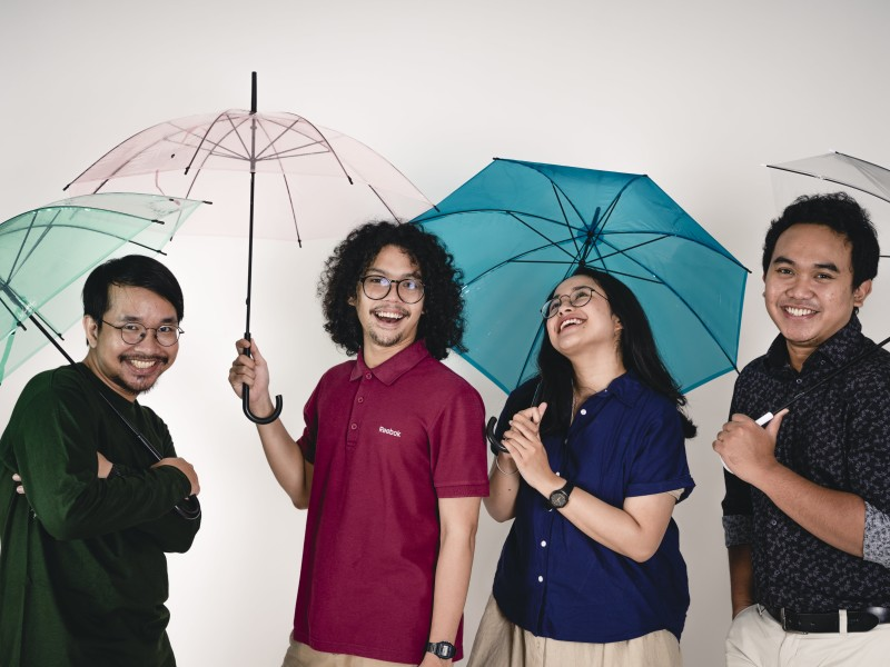 90HP Kabar Dari Hujan Photo