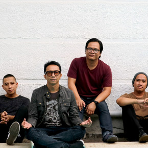 "THE RAIN // VIDEO LIRIK ""GOMBAL ITU INDAH"""