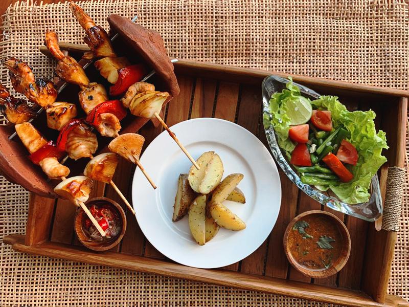 Gong-Corner-Batu-Belig-Seafood-Skewer