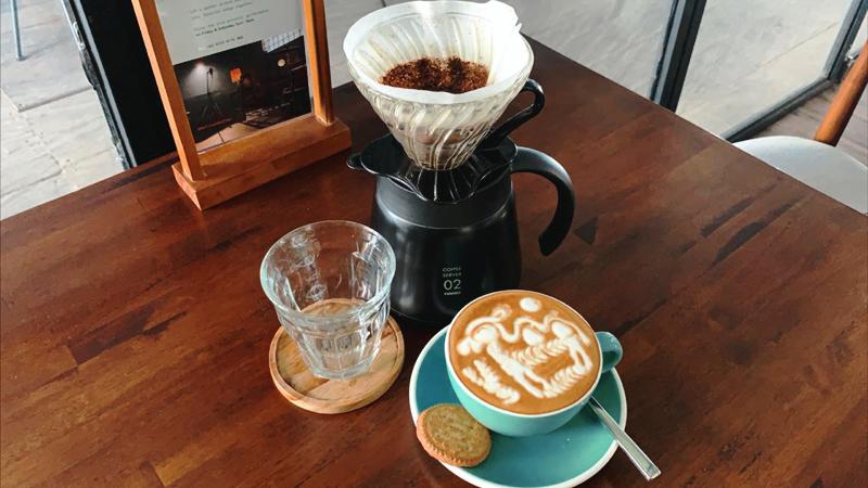 Loh-Coffee-Eatery-Latte