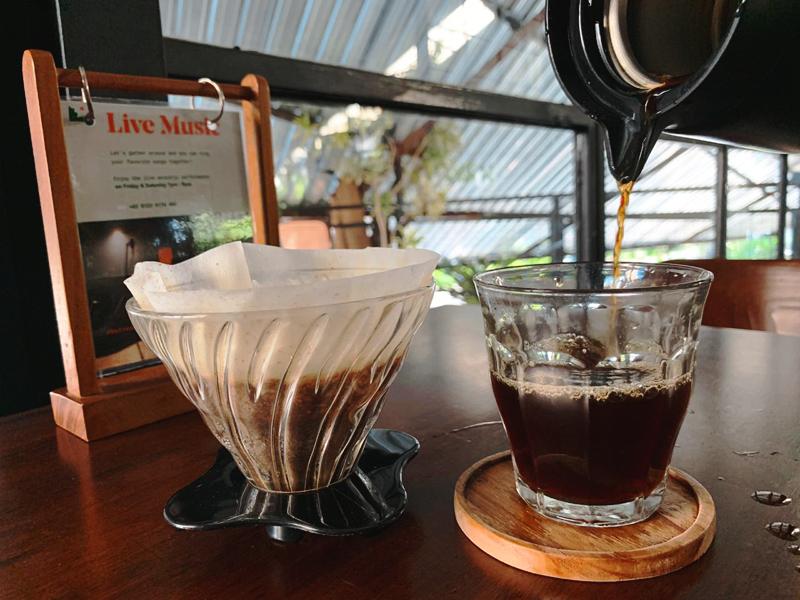 Loh-Coffee-Eatery-V60