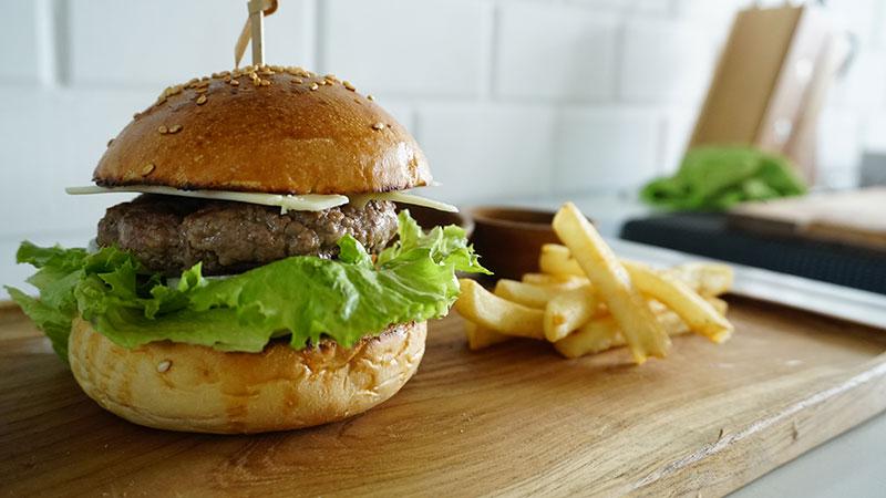 MAV06028-burger