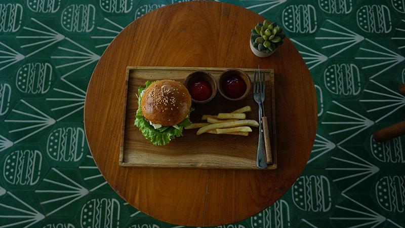 MAV06039-burger-2