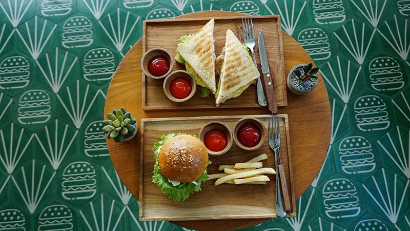 MAV06045-food