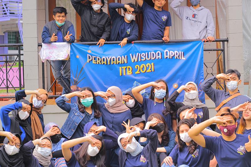 Perayaan-wisuda-itb-2021-body8